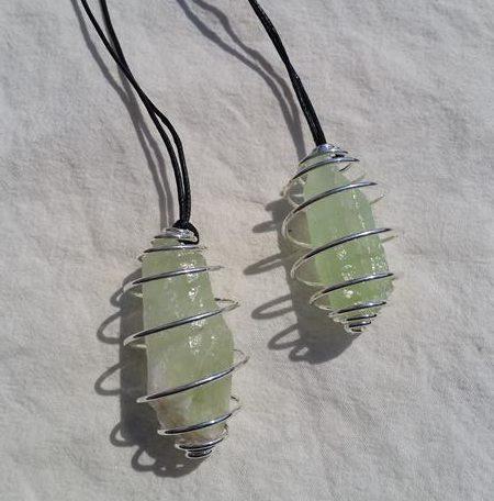 spiral halsband grön kalcit