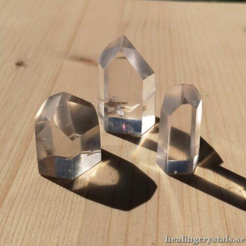 spetsar av bergkristall