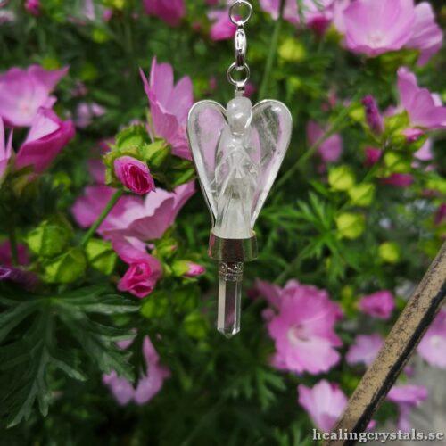 Unik handgjord pendel med en spets och en infattad ängel i Bergkristall