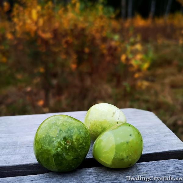 grön opal cuddle stone
